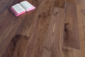 Magestik Floor Walnut